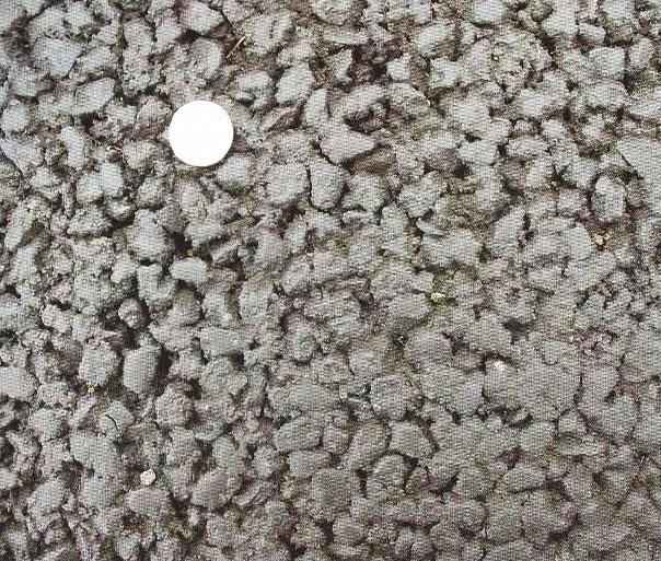 شکل 3: یک رویه نازک با سایز 14/0 (سکه یک یورو به قطر 23 میلیمتر است)